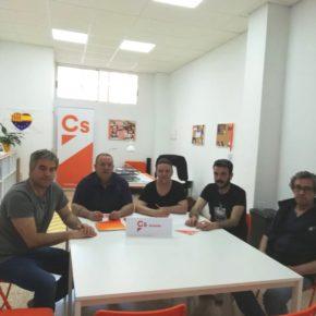 Ciudadanos llama al diálogo para solucionar la situación de la asociación Sendero Club ante el cierre de la terraza