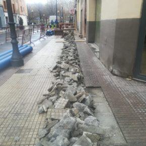 Ciudadanos lamenta que la falta de gestión de Gamarra obligue a levantar dos veces las aceras del entorno de Beratúa