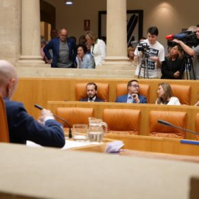 """Baena: """"Concha Andreu ha incumplido su promesa de diálogo y ha pasado el rodillo plegándose a las exigencias de Podemos"""""""