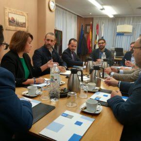 """Bauzá: """"Debemos trabajar por el corredor Atlántico Norte para que los productos riojanos lleguen a Europa con el menor coste y las mejores condiciones posibles"""""""