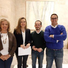 Ciudadanos denuncia la paralización de convenios y contratos menores en la Consejería de Educación que afectan al bolsillo de las familias