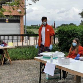 Los concejales de Cs Nájera reparten máscaras de protección para los niños que salen desde hoy a la calle