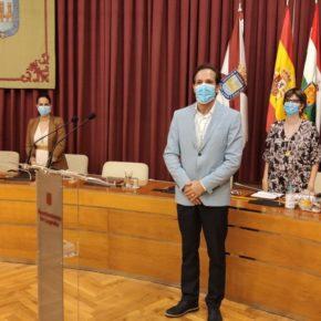 Javier Garijo (Cs) toma posesión de su acta como concejal de Ciudadanos en el Ayuntamiento de Logroño